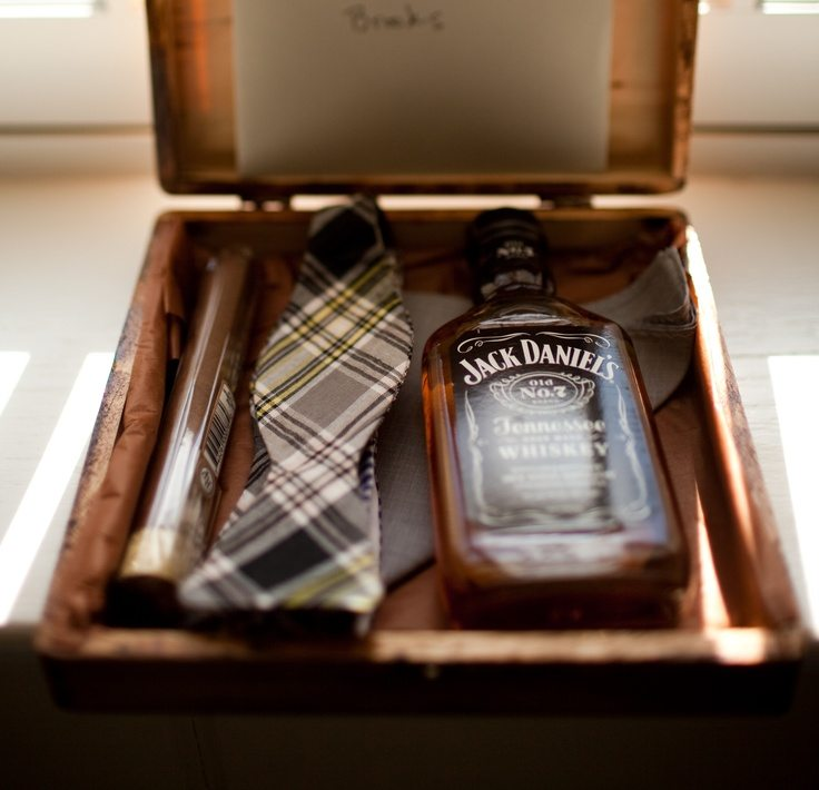 unique groomsman gifts