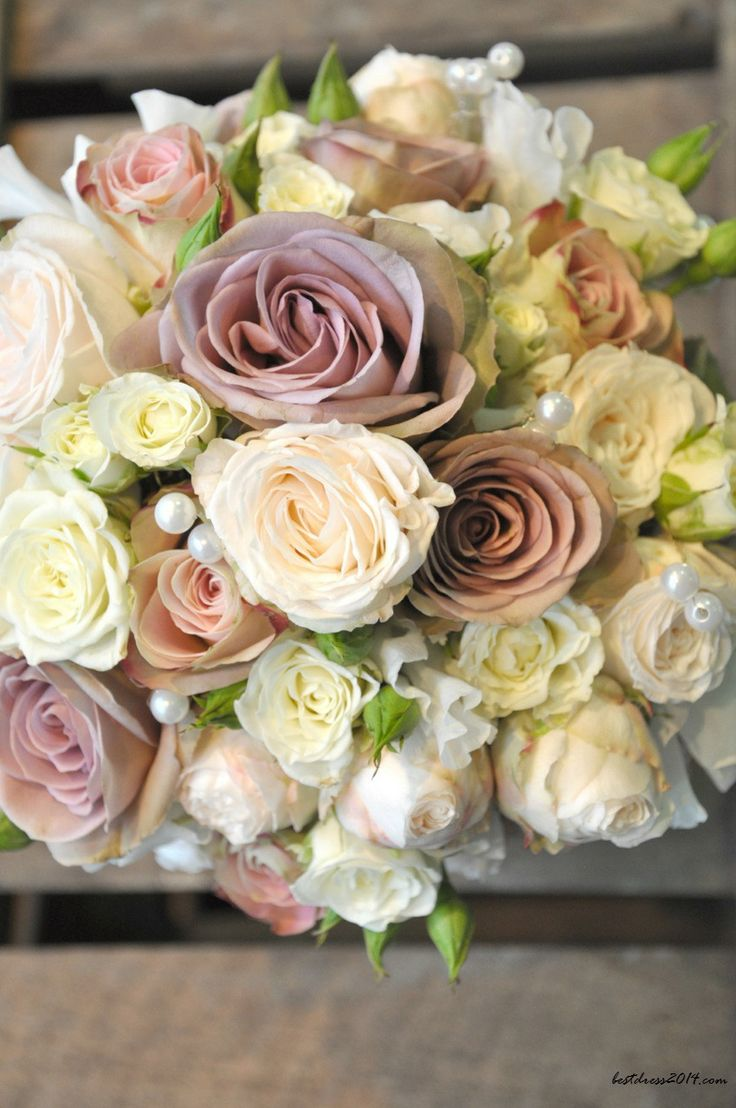save on wedding flowers