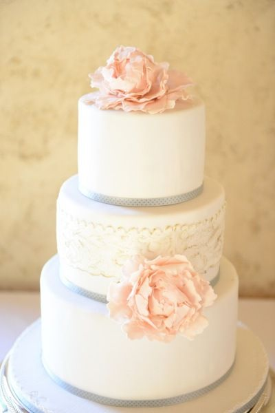 top tier wedding cake saver saving the top of the wedding cake a sweet tradition 21078