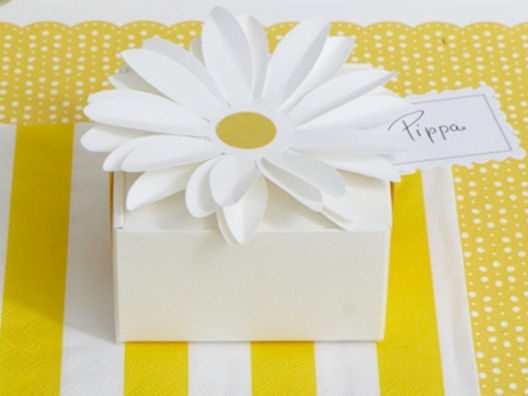 daisy wedding theme