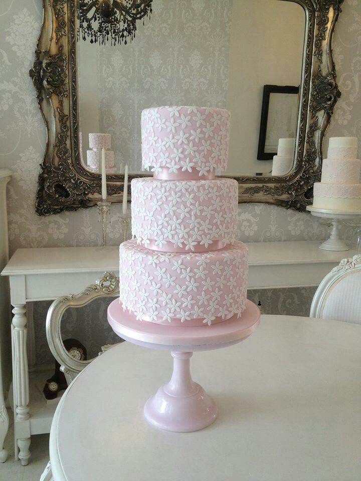 why wedding cake so expensive why are custom wedding cakes so expensive 27475