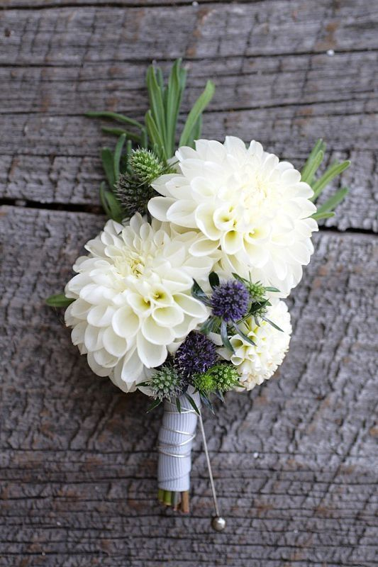 How much wedding flowers really cost 12 ways to save big wedding flowers cost junglespirit Images