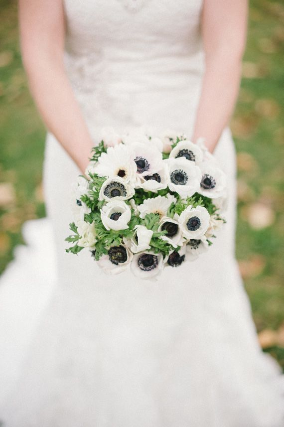 spring bouquets for weddings