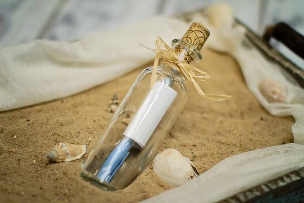 Invitation in a Bottle, Photo Courtesy Cloud Nove Events, NY