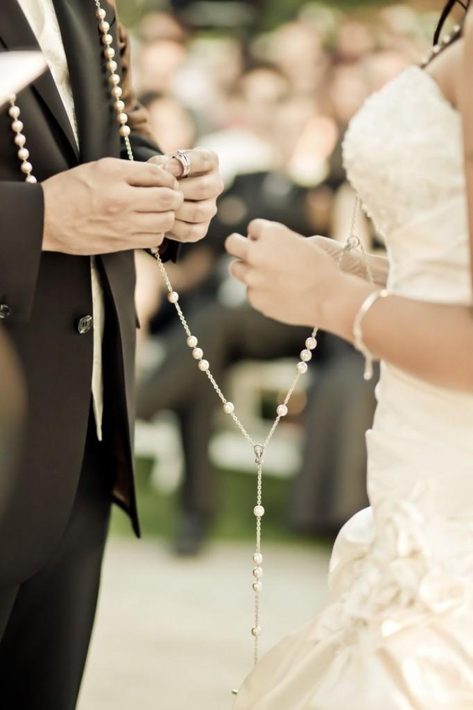 The wedding lasso