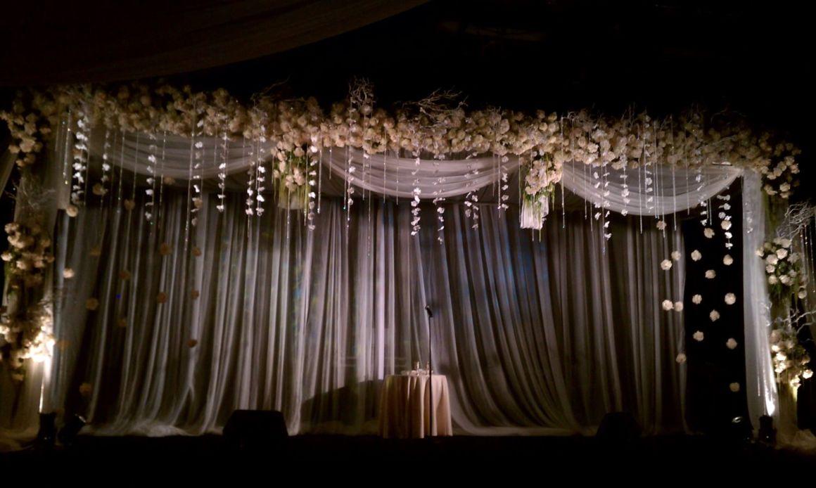 All White Wedding Flowers Simple Elegance