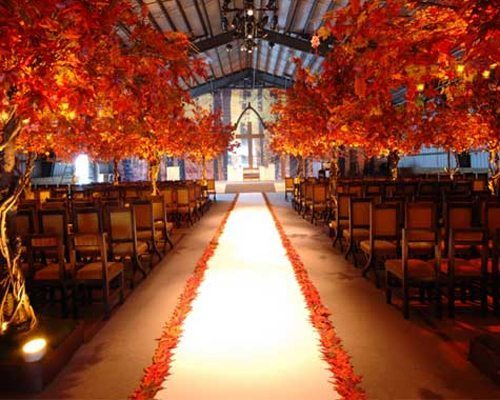 leaves aisle runner