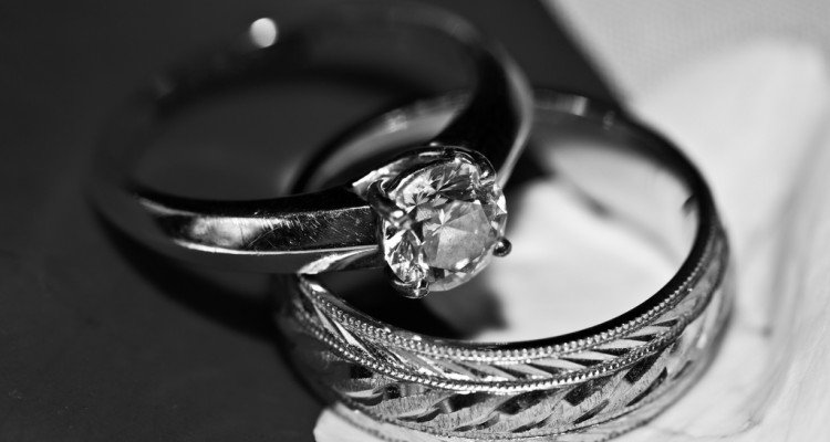 Buy a cheap yet beautiful engagement ring Top Wedding Questions