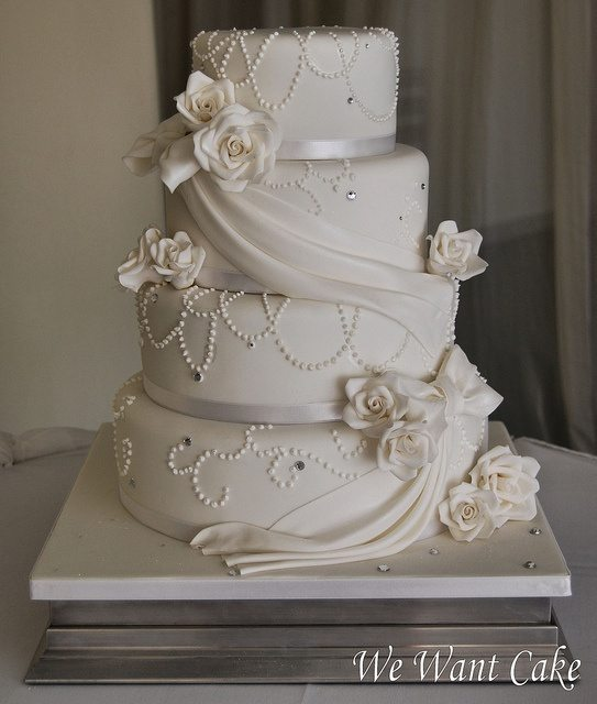 how much are wedding cakes