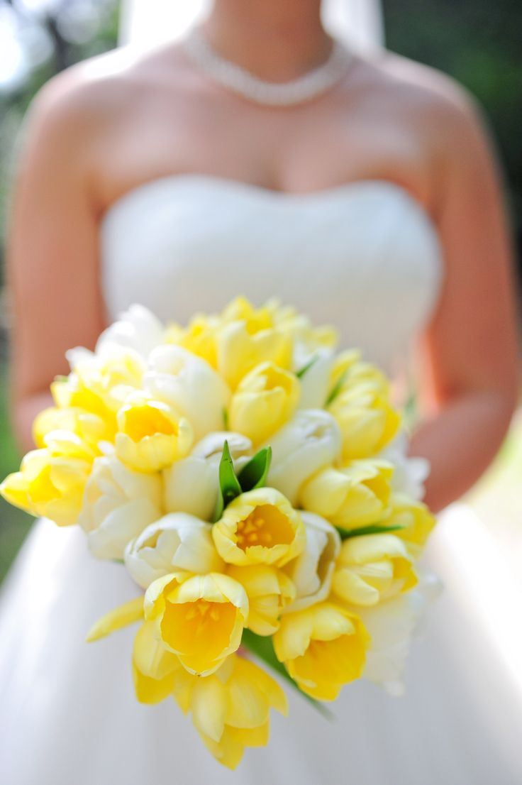 tulips wedding bouquet wedding tulip bouquets here are our favorites 8096