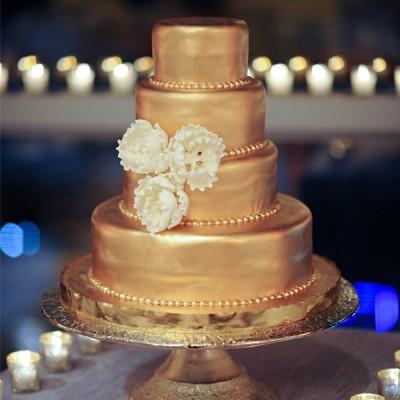 golden wedding cake photos
