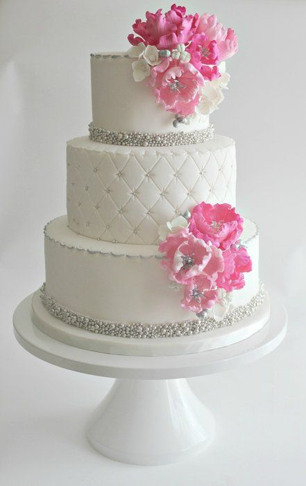 how much are wedding cakes per slice wedding cakes aren t cheap so be smart amp follow these 15438
