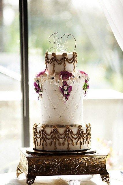 golden wedding cakes