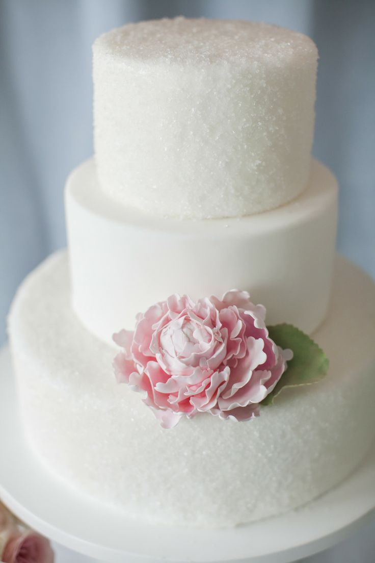 Simple Doesn\'t Mean Boring. These Elegant Wedding Cakes Prove Simple ...