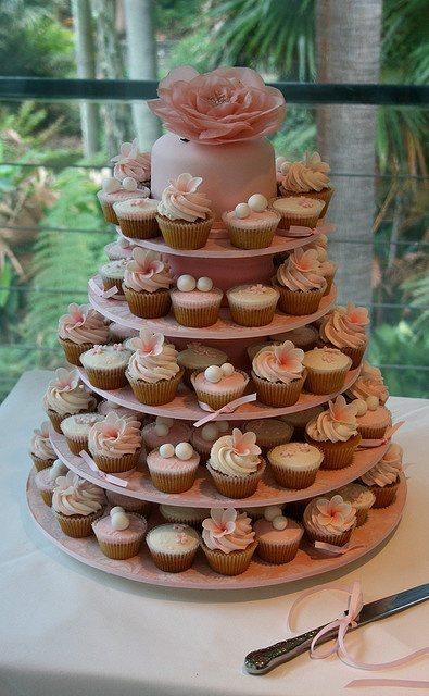wedding cake cupcakes