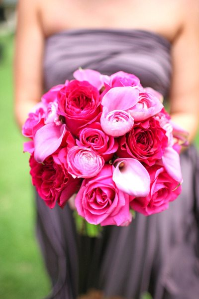 hot pink bouquets weddings