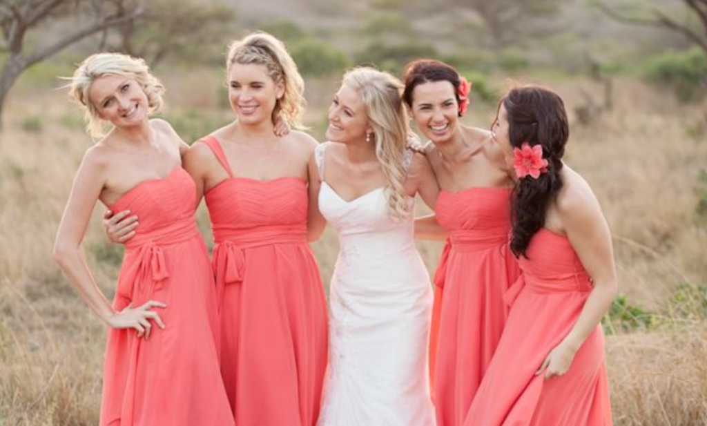 Maid of Honor vs. Bridesmaids: What\'s the Difference?