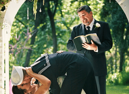 what to pay for an officiant