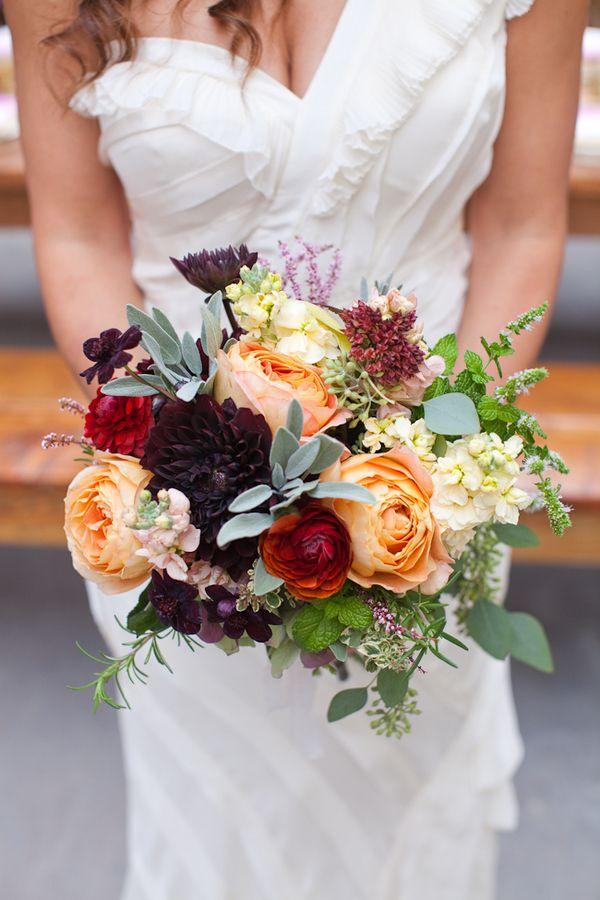 gold hue wedding flowers