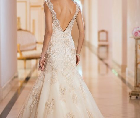 Wedding dress color white vs ivory wedding dresses asian for Renting vs buying wedding dress