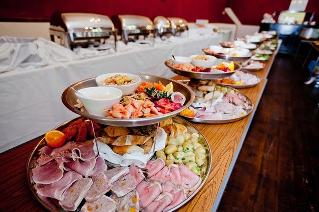 5 Ways To Serve The Scrumptious Food amp Treats At Your Wedding TopWeddingSitescom