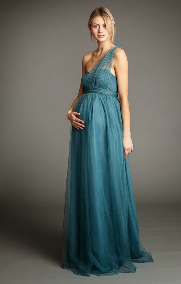 Picking the Dress: What to Look For in Maternity Bridesmaids ...