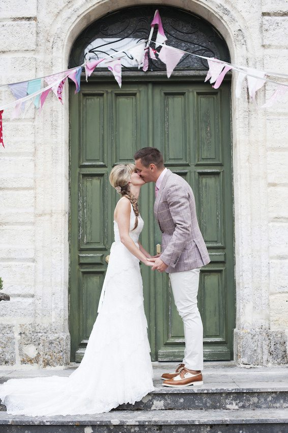 wedding abroad tips