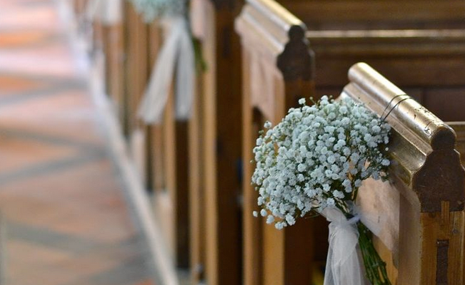 Decorate church for wedding wedding pew bows for Decoration clips