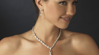 ivory wedding dress jewelry