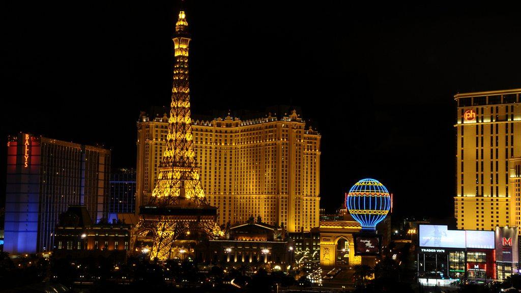 photo credit: Paris Hotel by night via photopin (license)