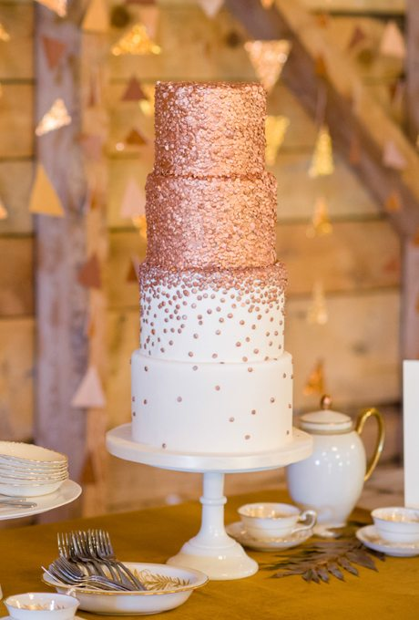 Metallic-Wedding-Cakes-Rachel-Peters-Photography