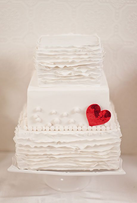 wedding-style-ideas-heart-motif-valentines-day-006