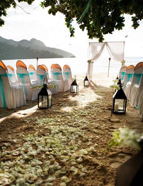 perfect beach wedding - wedding arch