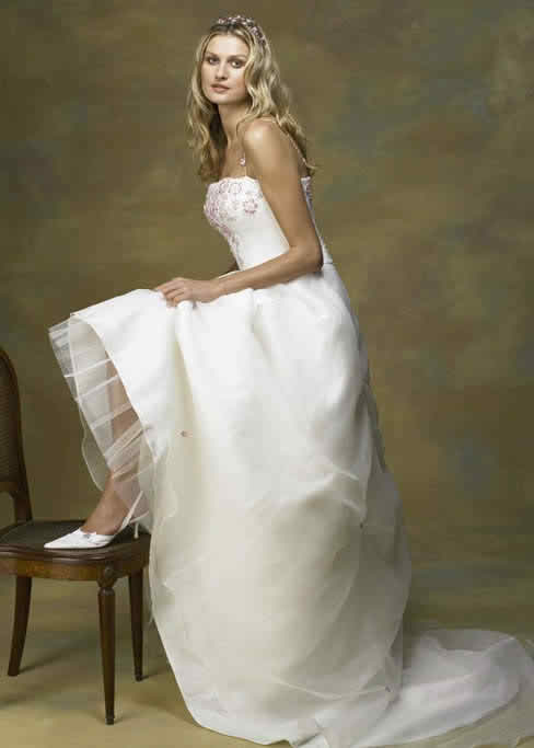 A white dress for a flawless image - white wedding dress