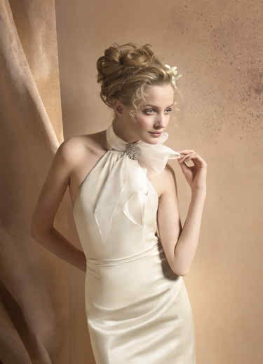 Be glamorous in a turtleneck wedding dress