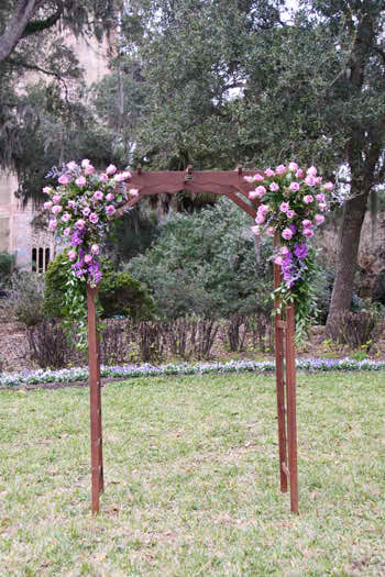 Choose flower centrepieces for your wedding ceremony