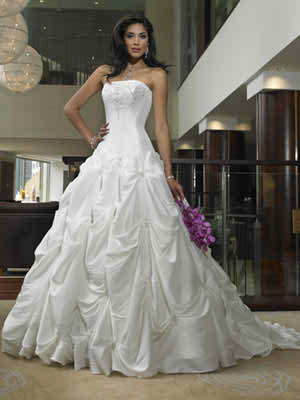 Corset wedding dresses - pros and cons | | TopWeddingSites.com
