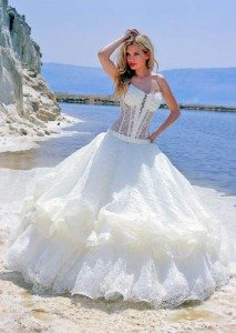 Creating-your-own-wedding-dress-using-imagination
