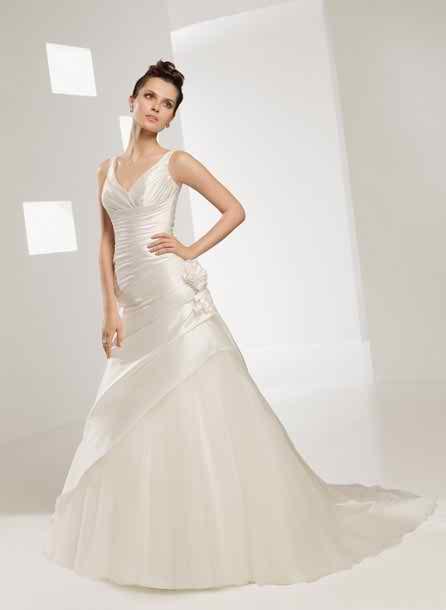 Elianna Moore wedding dresses 3
