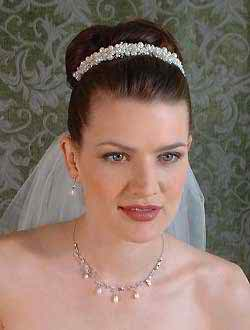 Have a Cinderella wedding hairstyle and a beautiful wedding tiara