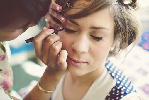 Learn if you are able to realize your bridal makeup