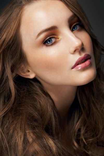 Makeup for blue eyed brides