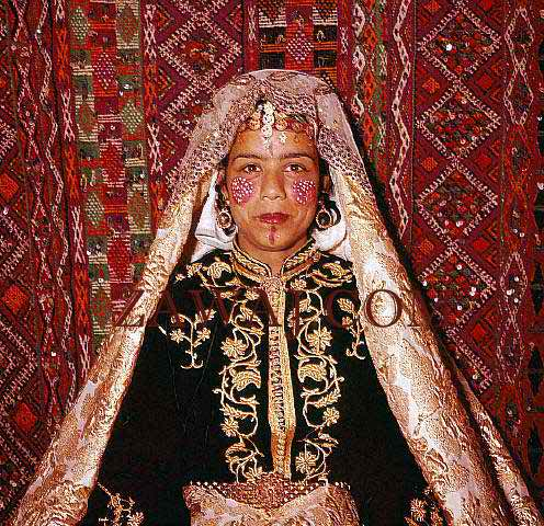 Peculiar wedding traditions - Morocco, France and Poland