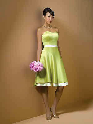 Bridesmaid dress with sweetheart neckline
