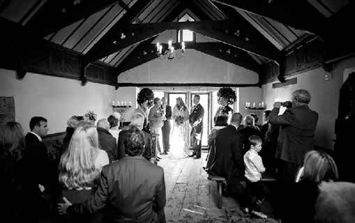 Plan a small wedding ceremony
