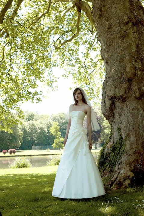 Sascha Novia wedding dresses