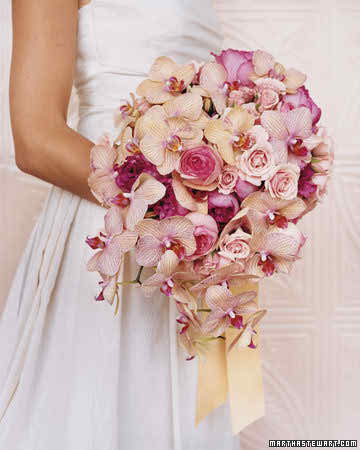 Should I have a pale flower bouquet