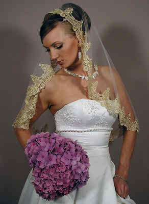 The bridal veil must match the shape of your face