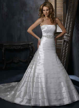 latest trends concerning your fall wedding dress