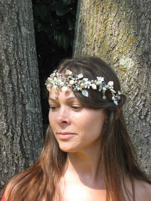 The perfect accessories for the happy hippie bride